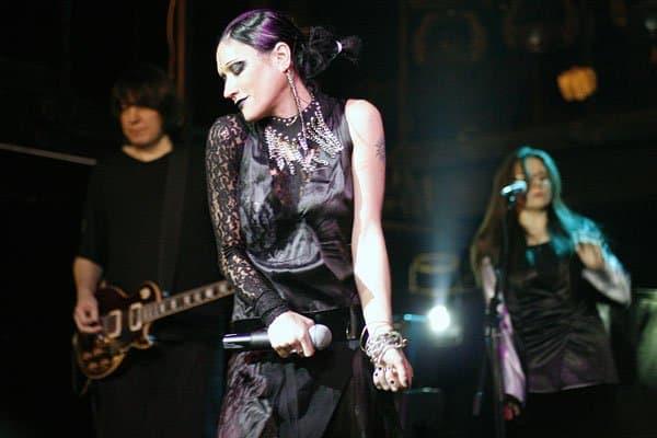 Песни Линды на концертах в Европе