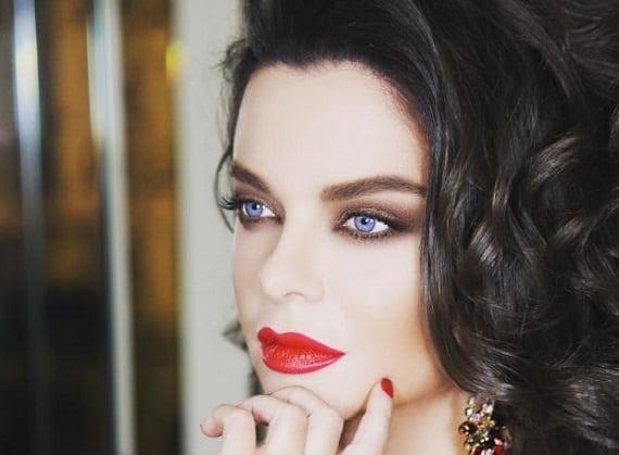 Die Sängerin Natasha Koroleva wird mit dem Yagodka-Programm auf Deutschlandtournee gehen; Von Oktober bis November 2021 finden in sechs Städten Konzerte statt