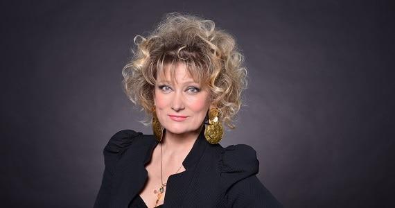 """Die Schauspielerin Olga Hohlova spielt in der Truppe des Moskauer modernen kunsttheaters in dem Stück """"Semeyka Fani"""""""