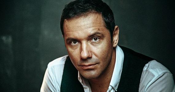 """Der russische Schauspieler Alexander Nikitin, der eine der Rollen im Stück """"Liebe und andere Lügen"""" spielte"""