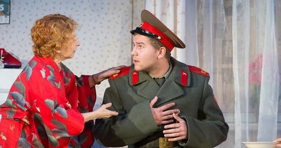 """Szene 4 aus der Komödie """"Mein Enkel Veniamin"""" nach dem Stück der Schriftstellerin Lyudmila Ulitskaya, Deutschlandpremiere 2020"""
