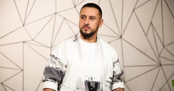 """Monatik, ukrainischer Sänger, Tänzer, Choreograf, Songwriter und Komponist, Teilnehmer des Konzerts """"Pesnya goda"""" 2019 in Deutschland"""