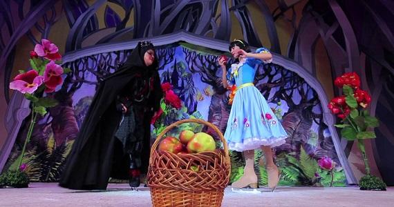 """Das vom russischen Zirkus auf Eis inszenierte Eismärchen """"Schneewittchen"""" findet in Deutschland statt, Kaufen Sie ein Ticket auf der Website der Artist Production Eventagentur"""