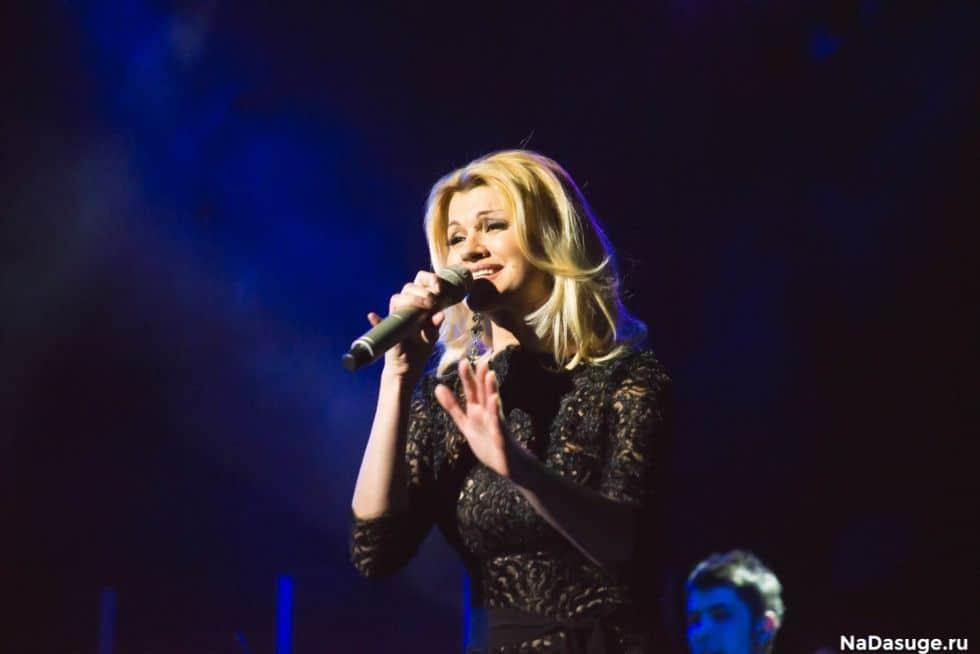 """Sängerin Irina Krug, mehrfache Gewinnerin des Chanson des Jahres Award, geht 2020 mit dem neuen Programm """"Du bist Herz und Seele"""" auf Deutschlandtournee"""