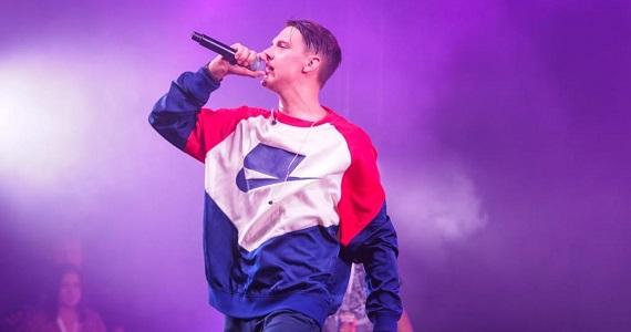 Tima Belorusskih, ein junger, aber sehr beliebter Rap-Sänger aus Minsk, wird drei Konzerte in den Städten Böblingen, Offenbach und München geben