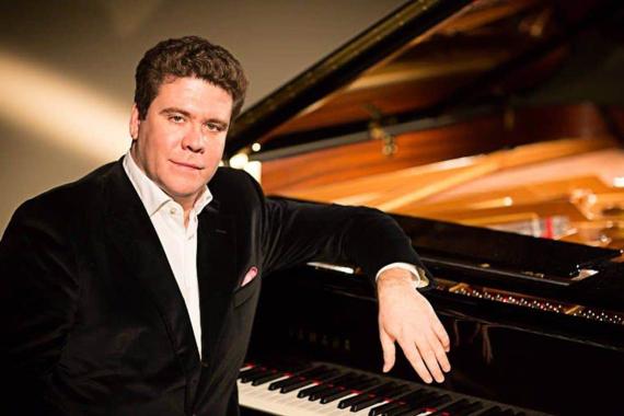 Der weltberühmte russische Musiker Denis Matsuev fasziniert das Publikum mit seinem Klavierspiel und beeindruckt das Publikum mit klassischer Musik