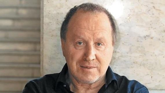 """Der russische Theater- und Filmschauspieler Vladimir Steklov spielte die Rolle der Karenin in dem Stück """"Anna Karenina"""", das auf dem Roman von Leo Tolstoi basiert"""