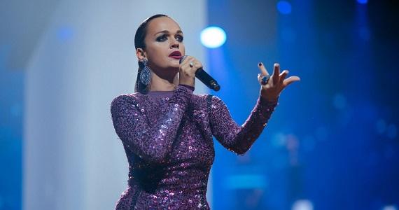 """Im Winter 2021 wird die Sängerin Slava bei der neuen Show """"Krik dushi"""" ihre besten Lieder für Zuschauer in Deutschland aufführen, Sie können Tickets auf der Website kaufen"""