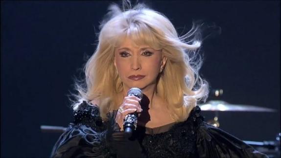 Die Sängerin Irina Allegrova, Rekordhalterin für das Sammeln voller Häuser an den größten Konzertorten der Welt, wird die Fans in Deutschland mit Konzerten im Jahr 2021 begeistern