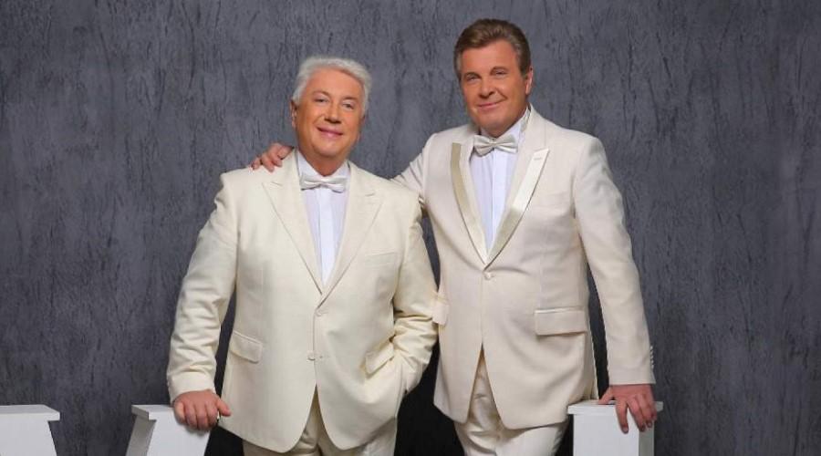 Langjährige Freundschaft und kreative Zusammenarbeit bringen berühmte russische Popkünstler zusammen - den Parodisten Vladimir Vinokur und den Sänger Lev Leshchenko