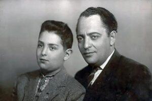 Mikhail Shufutinsky in der Kindheit mit seinem Vater Zakhar Davidovich Shufutinsky