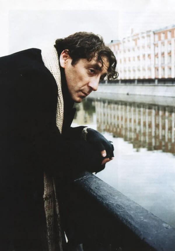 1992 zog Grigory Leps nach Moskau, um eine Gesangskarriere zu verfolgen