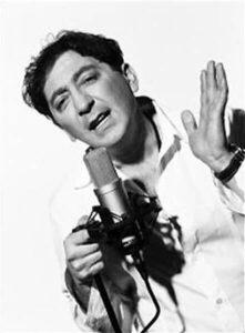 """Im Jahr 2001 gab Grigory Leps mehrere Konzerte in Moskau und erhielt die Auszeichnung """"Chanson des Jahres"""" für das Lied """"Tango razbityh serdec"""""""