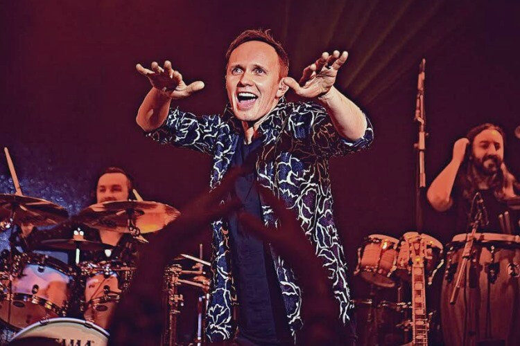 Renars Kaupers, Leader und Leadsänger von Brainstorm, wird die berühmten Hits der Band bei Kislorod Live in La Nucia performen
