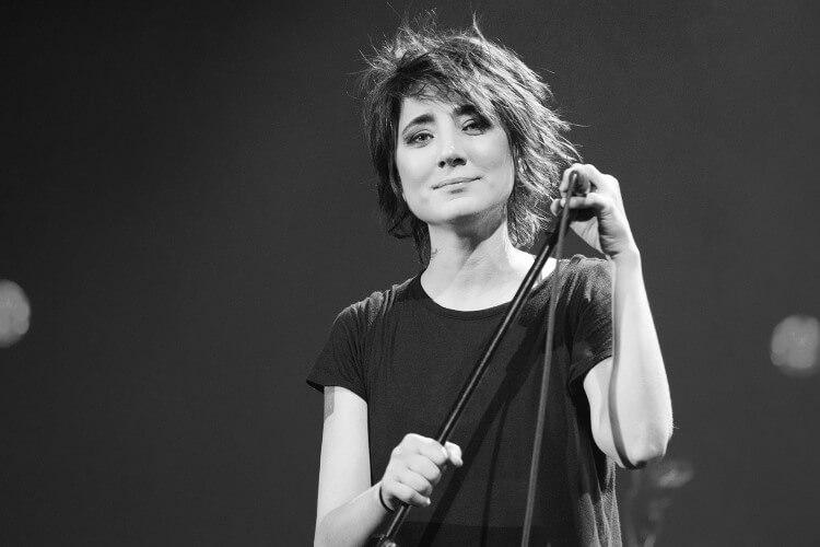 Die beliebte Sängerin Zemfira wird im Frühjahr 2022 auf dem Kislorod Live Festival in Benidorm, Spanien, auftreten