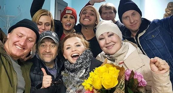 Актеры спектакля «Кухня на выезде» на гастролях в Германии