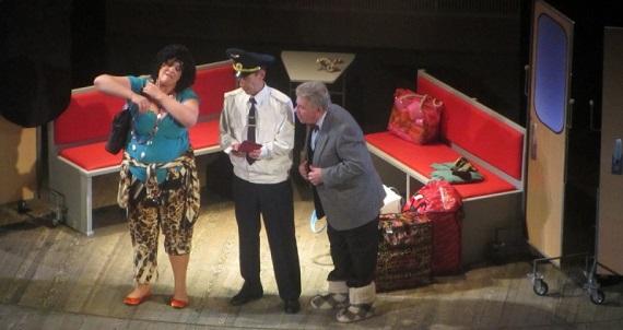 Поезд Одесса-Мама, сцена из спектакля