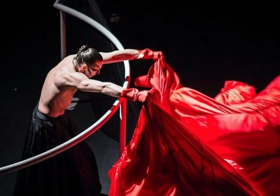 Спектакль «Служанки» театра Романа Виктюка в Германии