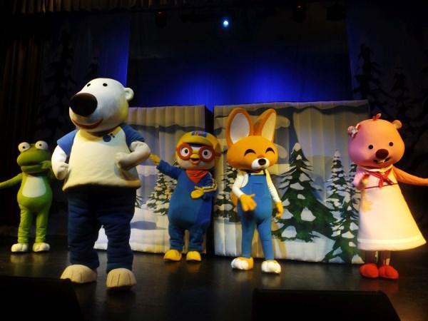 Новогодние приключения Пингвинёнка с участием ростовых кукол