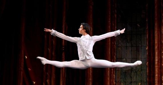 Балет Чайковского «Щелкунчик» по мотивам сказки Гофмана «Щелкунчик и мышиный король»