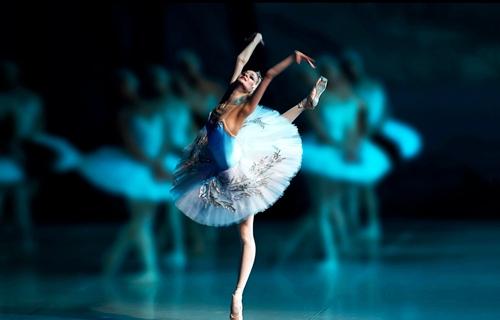 Балет «Лебединое озеро» в исполнении труппы Классического Русского балета Москвы в Германии, великое творческое наследие композитора Чайковского