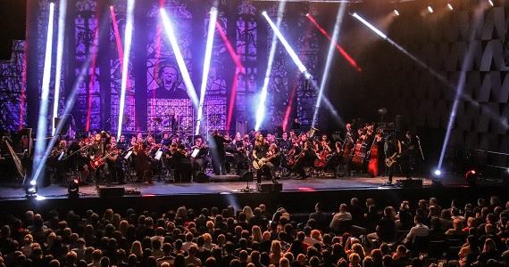 Metallica Tribute Show в Германии, совмещение хард-рока и симфонического оркестра