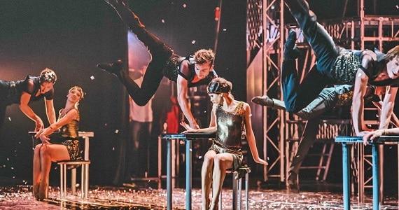 Шоу The Great Gatsby создан международным коллективом – хореограф Дуайт Роден, продюсер Валерий Меладзе, танцор Денис Матвиенко, композитор Юрий Шепет