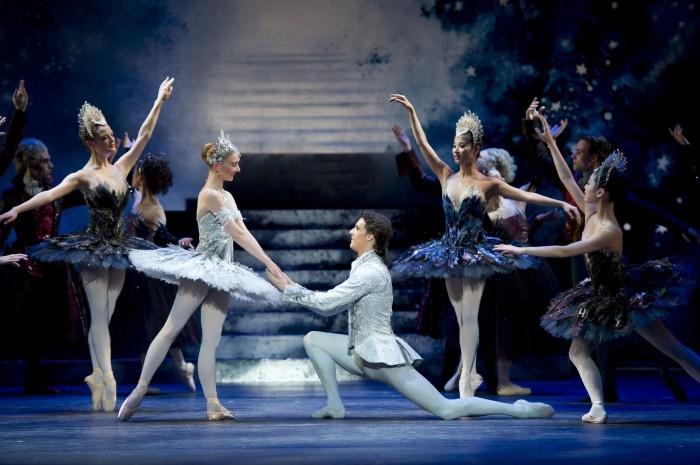 Русский государственный классический балет представляет постановку Золушка