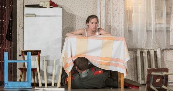 Сцена 2 из спектакля «Мой внук Вениамин», премьера в Германии