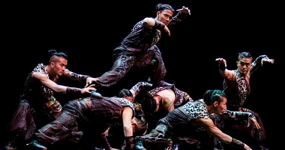 Театр Джеки Чана, сцена 1 из постановки «11 воинов» с элементами боевых искусств