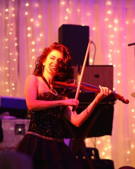 Anna Agre, виртуоз-скрипачка, участница программы «Новый год 2020 на русский лад» в Германии 31 декабря 2019 года от агентства Artist Production