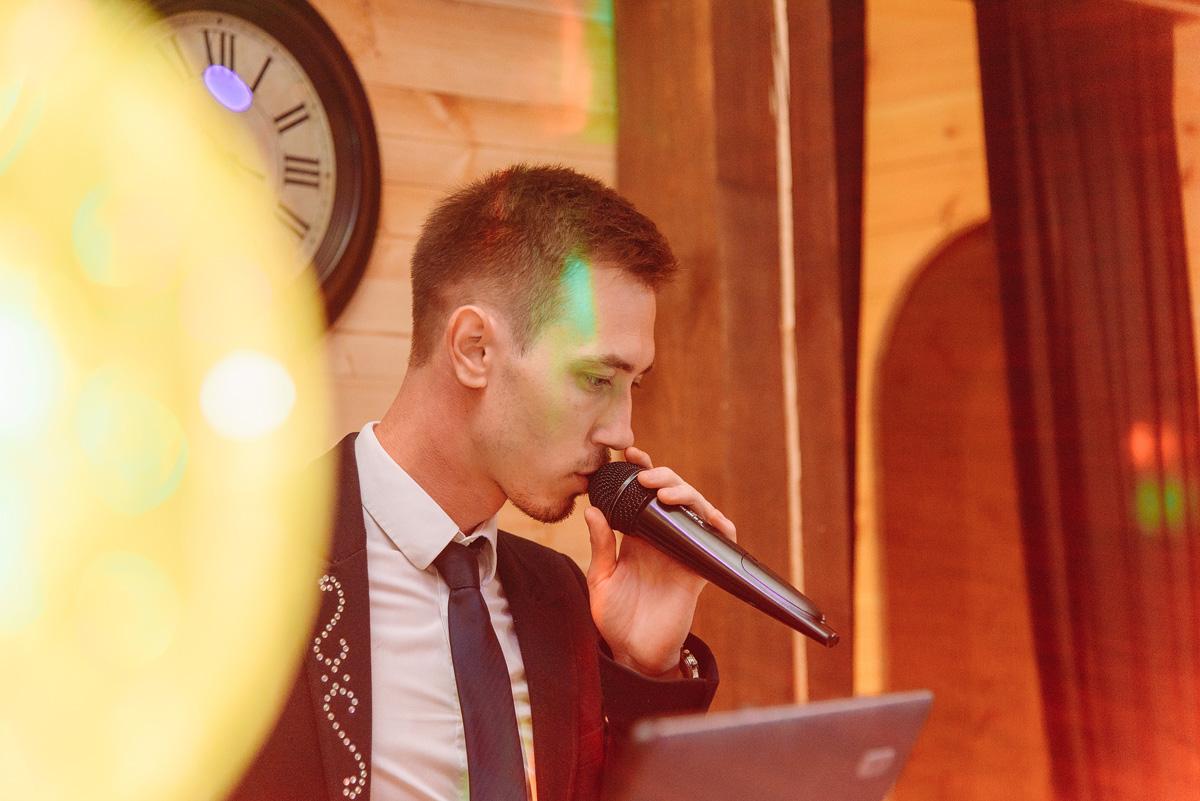 Ведущий новогоднего праздника в Германии Дмитрий Демин, программа «Новый год 2020 на русский лад» от концертного агентства Artist Production