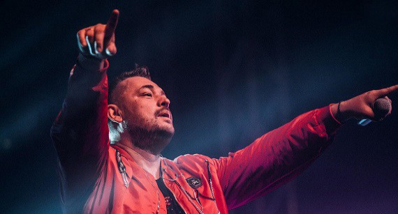 В сентябре 2021 года поклонники группы «Руки Вверх!» услышат любимые песни в программе «The Best» в исполнении Сергея Жукова