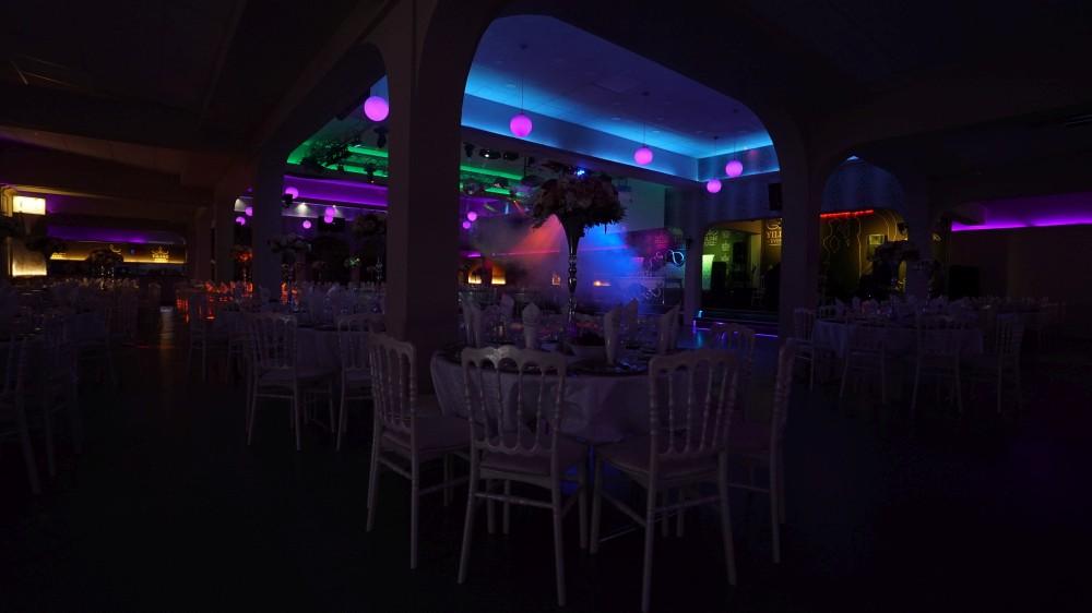 Интерьер зала торжеств «Festsaal» в Rödermark для программы «Новый год 2020 на русский лад» в Германии 31 декабря 2019 года