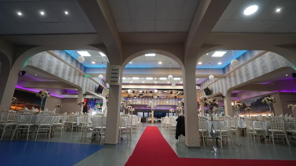 Зал торжеств «Festsaal» в Rödermark ждет гостей программы «Новый год 2020 на русский лад» в Германии 31 декабря 2019 года
