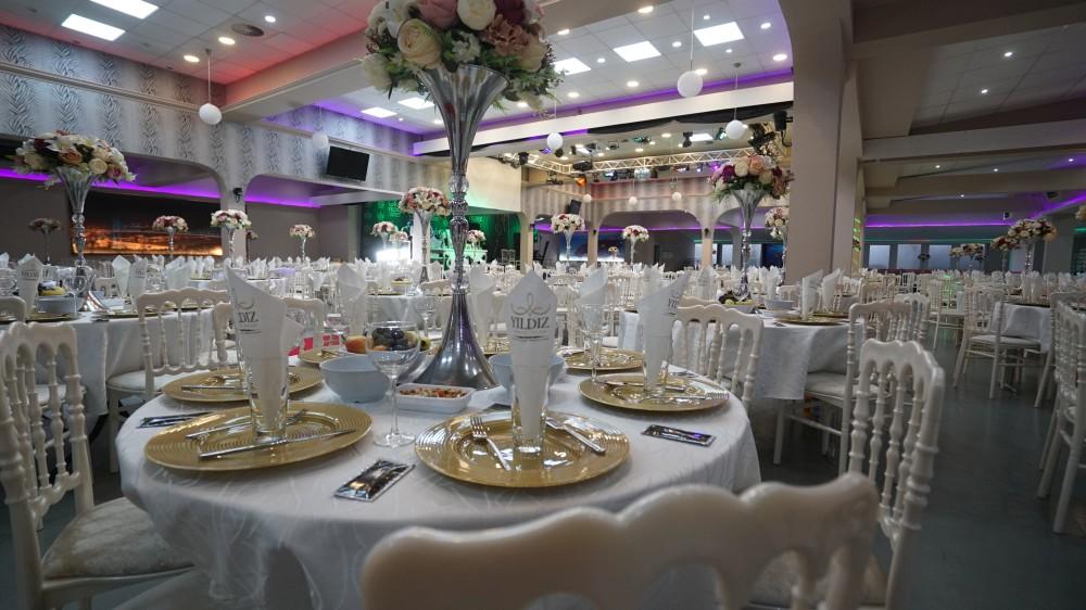 Комфорт и удобство зала «Festsaal» в Rödermark по достоинству оценят гости программы «Новый год 2020 на русский лад» в Германии 31 декабря 2019 года