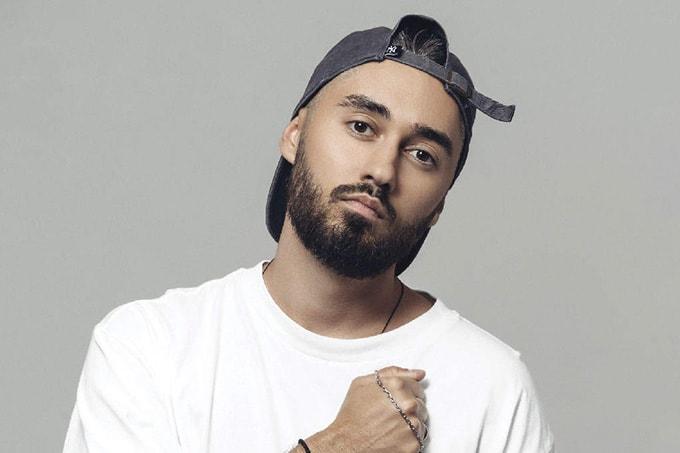 Мот, российский музыкант, рэпер, артист лейбла «Black Star Inc.». Участник концерта «Песня года» 2019 в Германии 15 февраля 2020 года