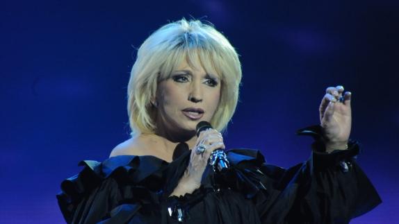 Российская звезда эстрады Ирина Аллегрова планирует концертный тур по Германии в октябре 2021 года, певица исполнит песни из ее золотой коллекции