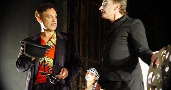 Artist Production в апреле 2021 года представляет зрителям в Германии постановку Романа Виктюка спектакль «Путаны», купить билеты можно на сайте агентства