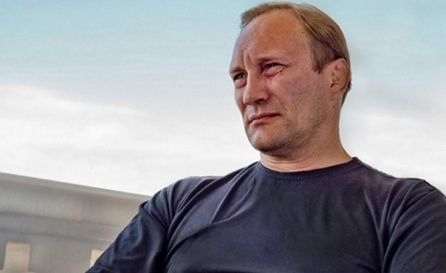 Евгений Сидихин, актер театра и кино, играет в спектакле «Судьба в подарок», который пройдет в Германии в октябре 2021 года, билеты на сайте агентства Artist Production