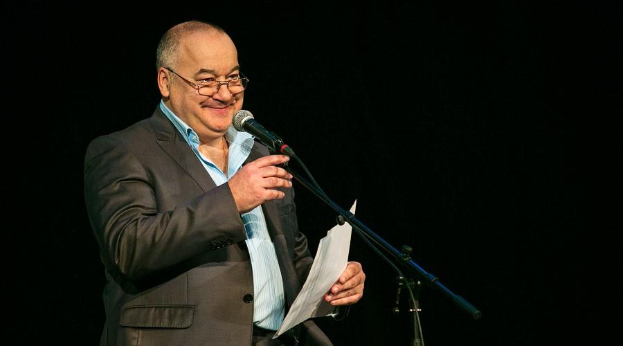 Монологи Игоря Маменко «Дар предвидения», «Поездка в Таиланд с тещей» и другие пришлись по душе зрителям, а его запас анекдотов всегда приносит смех и радость