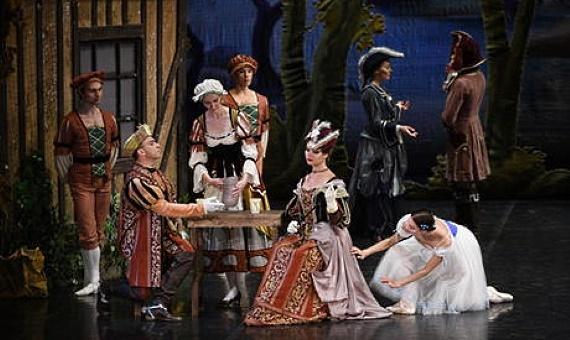 Балет «Жизель» из Санкт-Петербурга на музыку композитора Адольфа Адана в редакции балетмейстера Мариуса Петипа будет показан в Германии 13 января 2021 года