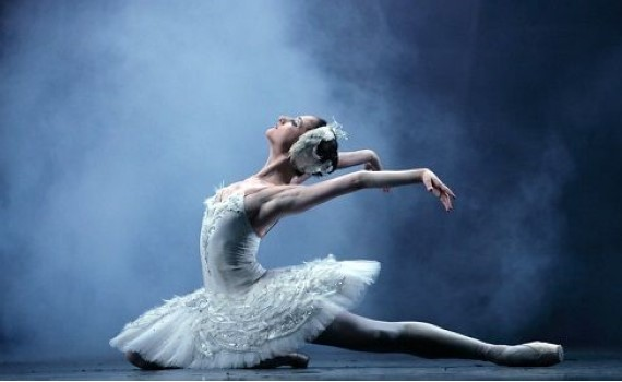 «Визитная карточка» русского балета «Лебединое озеро» приедет на гастроли в Европу из Санкт-Петербурга зимой 2021, билеты на сайте агентства Artist Production
