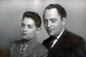 Михаил в детстве со своим отцом Захаром Давидовичем Шуфутинским