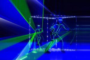 Цирк Триумф представляет завораживающие постановки с невероятными спецэффектами – геометрические фигуры «Кубы»
