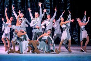 Хореографическая композиция «Антрацит» Русского цирка на льду Триумф, оригинальные костюмы и впечатляющая хореография