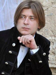 Егор Михайлович Бортник, он же Игорь Михайлович Бортник, он же Лёва Би-2