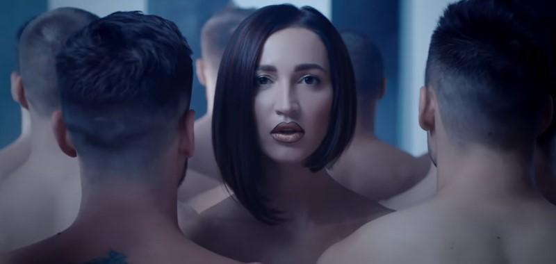 Кадр из видеоклипа Ольги Бузовой на песню «Мало половин»