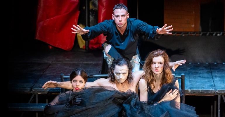 Спектакль «Последняя любовь Дон Жуана» по пьесе «Ночь в Валони» писателя Эрика-Эммануэля Шмитта