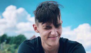Почти каждая новая песня Тимы Белорусских занимают первые места в чартах России и СНГ